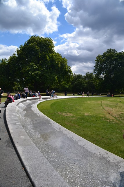 Princess Diana Memorial Fountain, Hyde park, Londýn