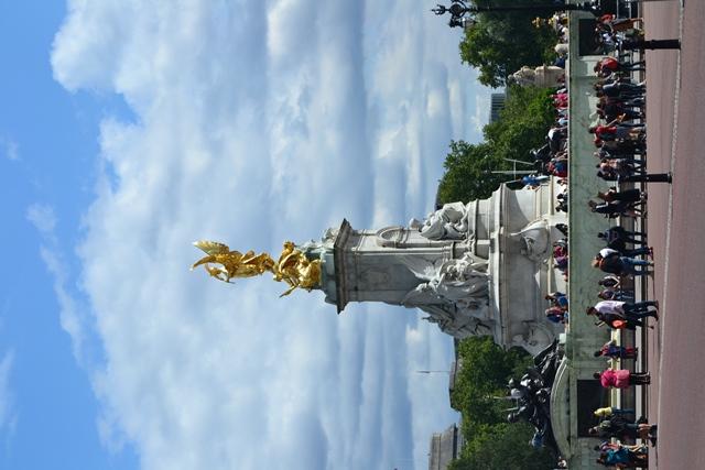 Victoria Memorial, Buckinghamský palác, Londýn
